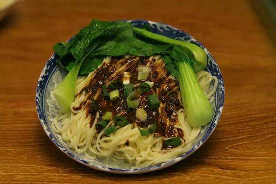 日曬麵-丁 芝蔴炸醬麵+海帶芽調理湯包 160公克/包 (素食可) 5包入/1組